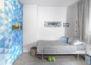 חדר ילדים כחול ומסקרן